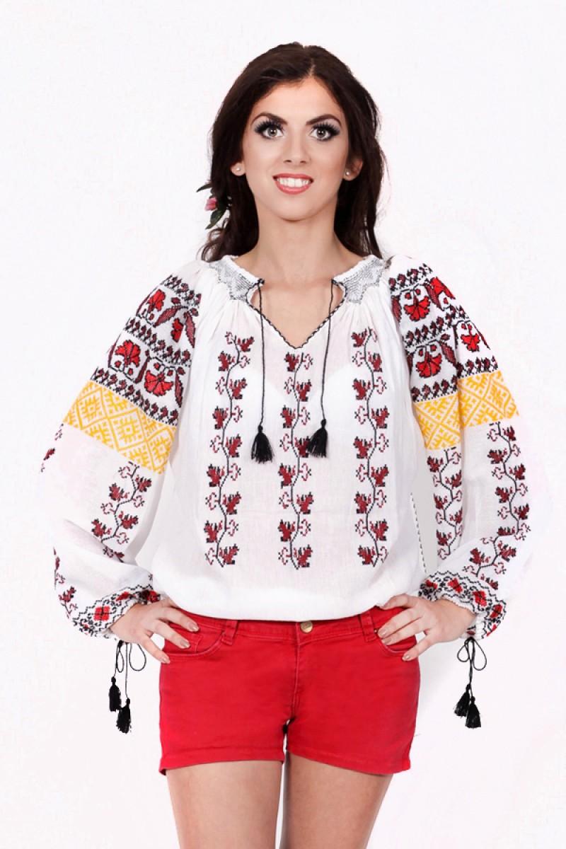 Ie romaneasca Garoafa bluza traditionala brodata manual cu fir negru si rosu zona Gorjului