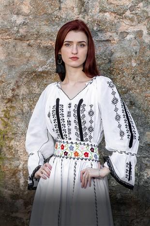 Ie traditionala femei