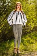 Ie romaneasca de Ardeal bluza traditionala din bumbac lucrata manual cu fir negru zona Ardeal