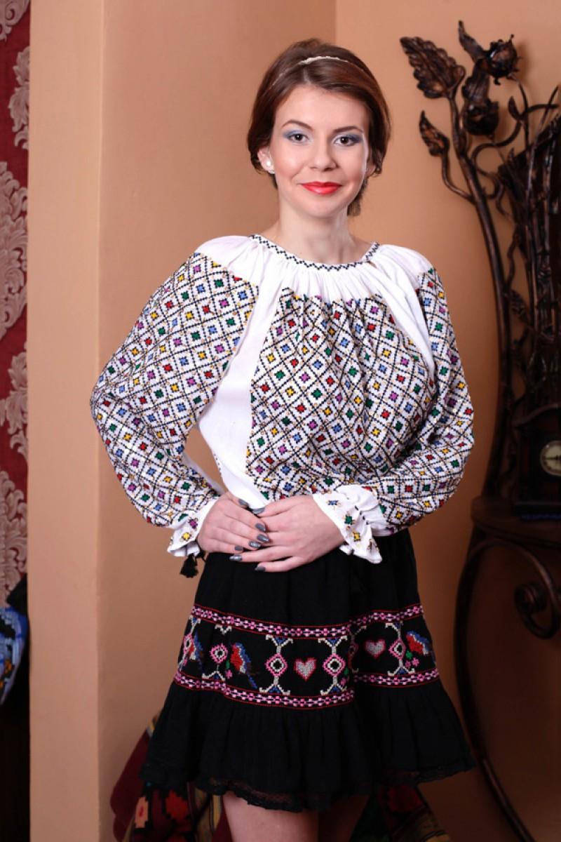 Ie romaneasca maneca lunga Cristale Colorate Multicolor bluza lucrata manual paiete colorate bumbac