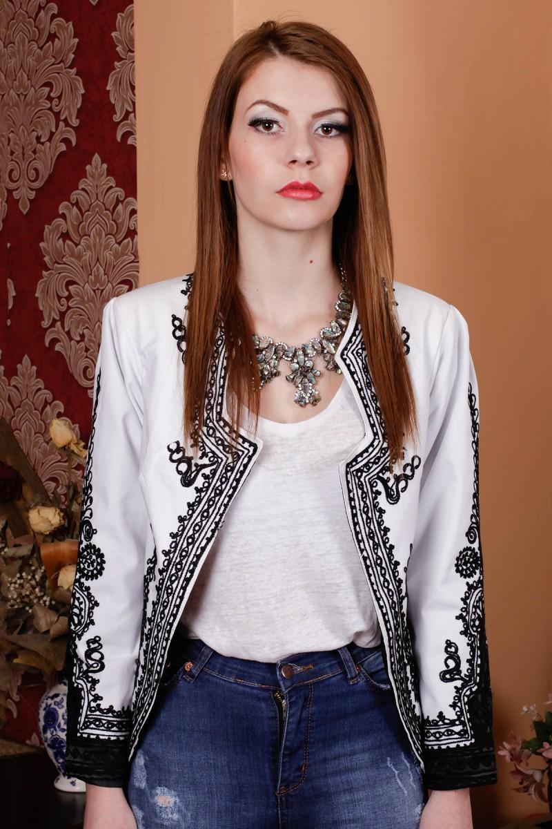 Sacou traditional modelul Ioana