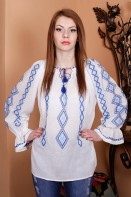 Ie romaneasca maneca lunga Banat bluza traditionala brodata manual cu fir albastru zona Banat