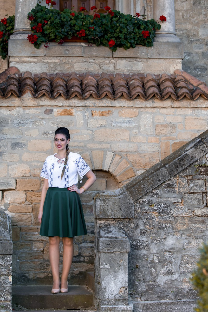 Ie Traditionala Romaneasca Cocosul Albastru zona Muntenia