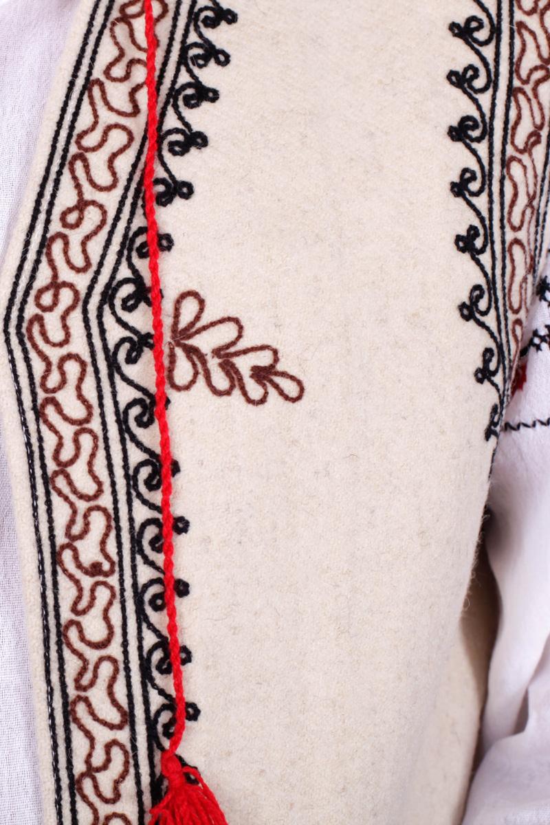 Costum popular barbatesc Muntenia