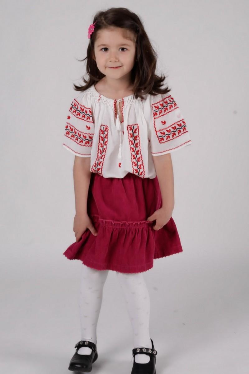 Ie romaneasca model Anastasia