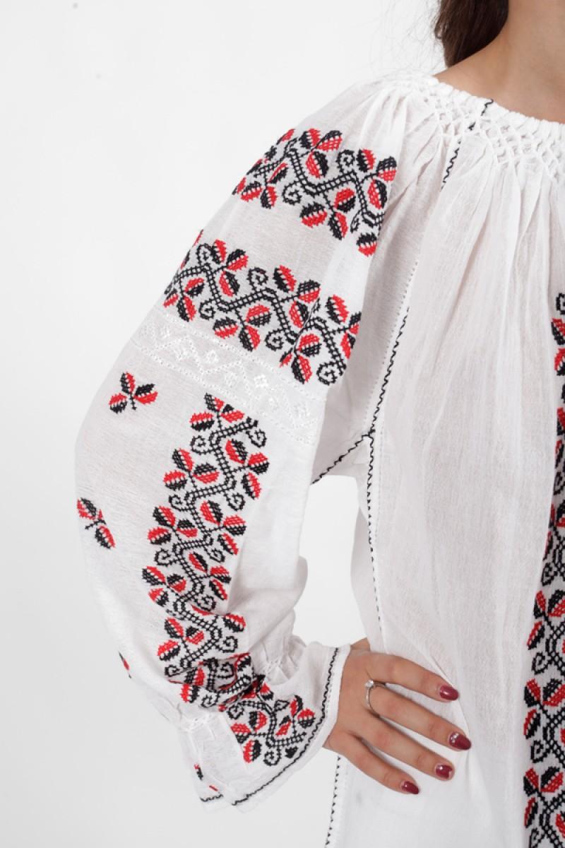 Ie romaneasca Paula bluza traditionala lucrata manual  cu fir rosu si negru zona Muntenia