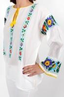 Ie romaneasca Livioara fir multicolora bluza traditionala lucrata manual zona Moldova