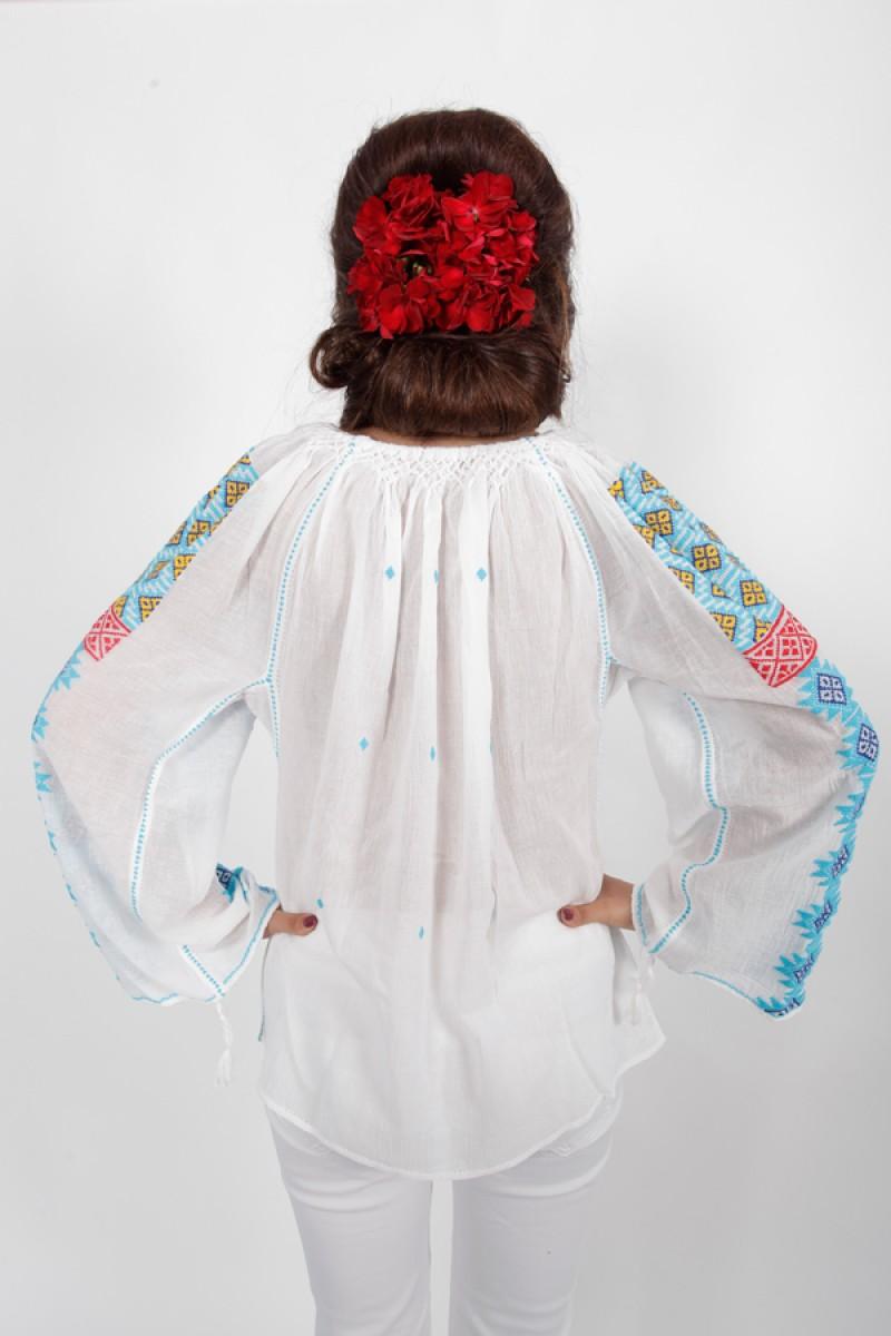 Ie romaneasca maneca lunga Crina fir albastru rosu galben bluza lucrata manual zona Mehedinti