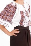 Ie romaneasca maneca scurta Corina fir grena si bej bluza traditionala lucrata manual