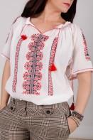 Ie maneca scurta Creasta Cocosului lucrata manual cu fir negru si rosu cusuta in cruciulita zona Muntenia
