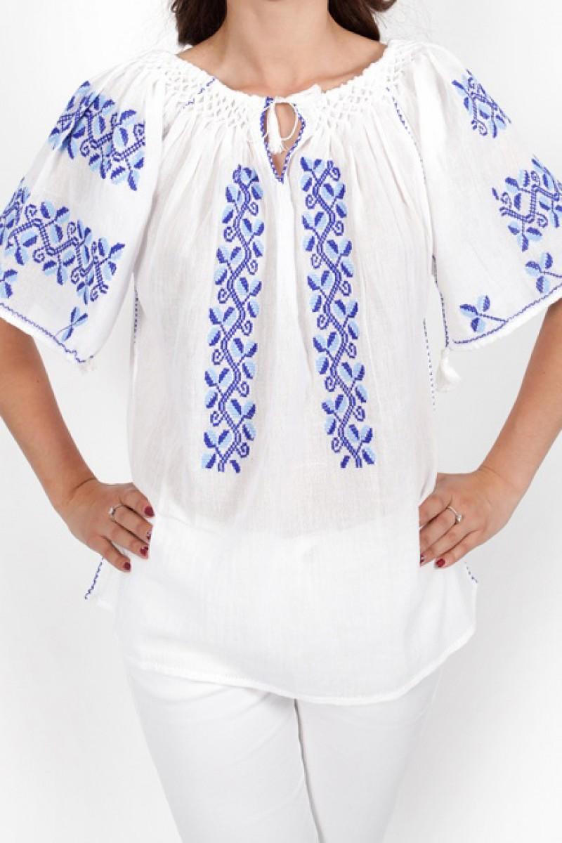 Ie maneca scurta Paula brodata manual cu fir albastru si bleu bluza traditionala zona Oltenia