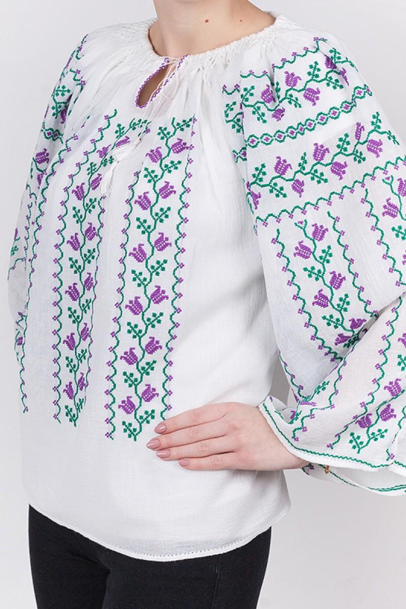 Ie romaneasca Floare de Margaritar fir verde si mov bluza traditionala lucrata manual zona Banat