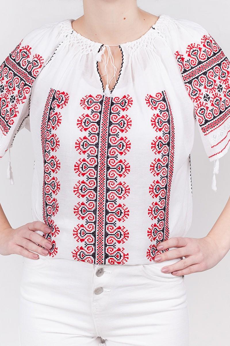 Ie maneca scurta Motu Curcanului brodata manual cu fir rosu si negru bluza traditionala zona Muntenia