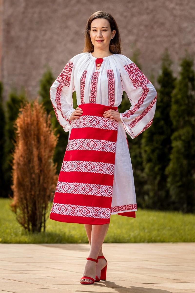 Costum popular autentic Steaua zona Banat